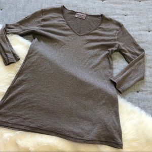 Michael stars brown v neck 3/4 sleeve one size